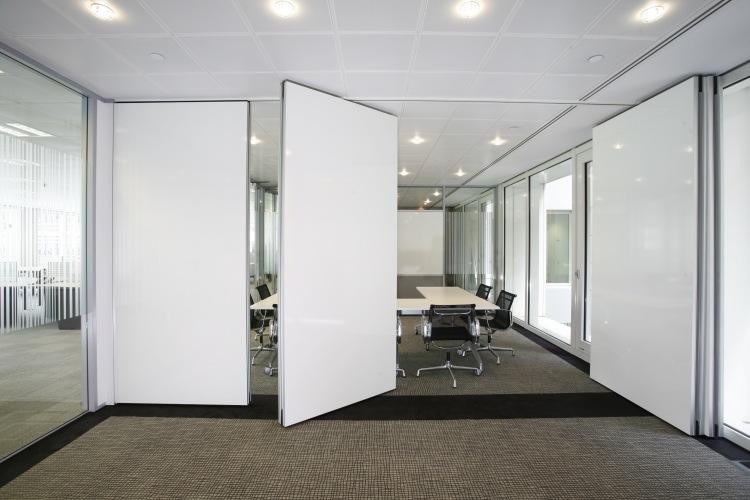 Falttren innen  25 Innentren als platzsparende Raumteiler