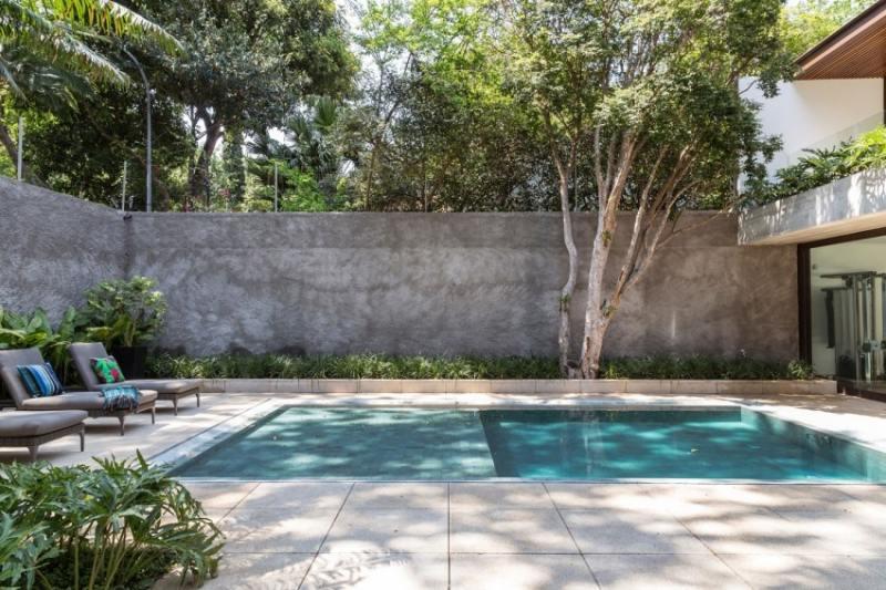 Gartengestaltung Pool Beton Sichtschutzmauer Beton Bodenplatten