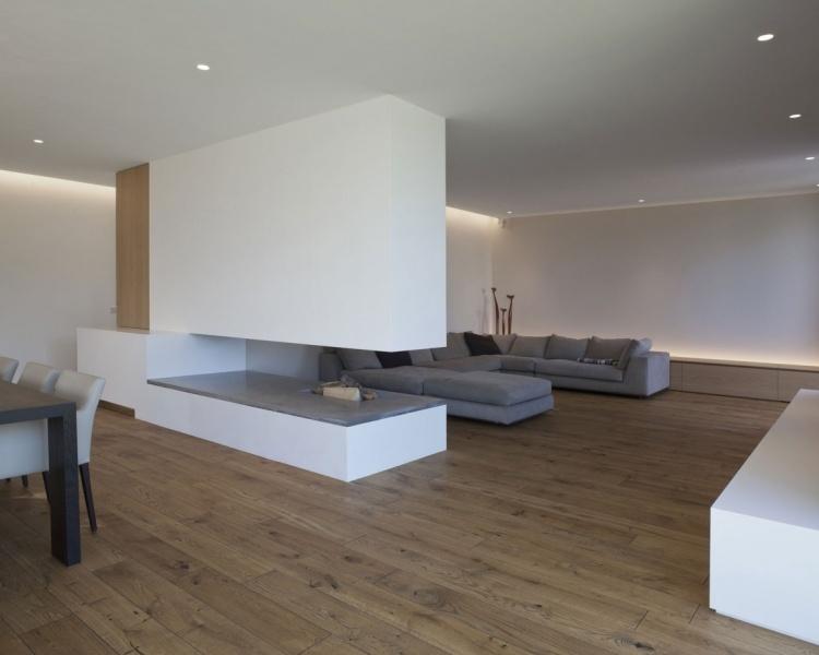 Offener Kamin  Moderne Gestaltung im minimalistischen Stil