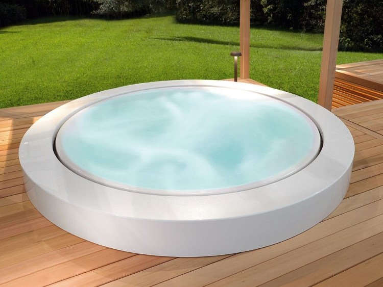 Outdoor Whirlpool Garten Spass Bilder Emejing Outdoor Whirlpool ...