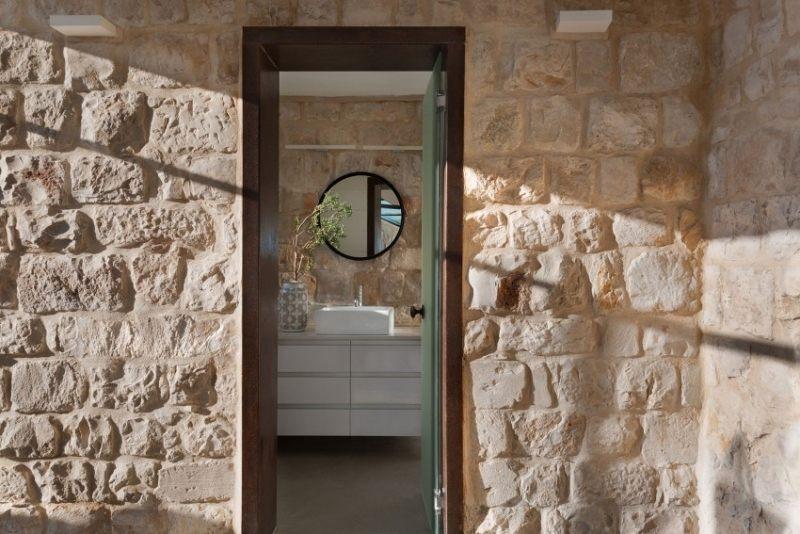 Natursteinwand innen und auen fr authentischen Look