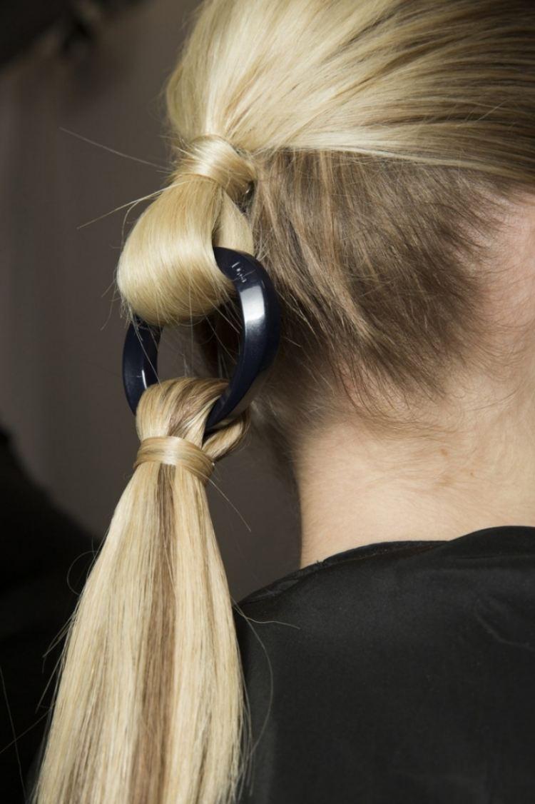 Schne Party Frisuren selber machen  55 tolle Ideen