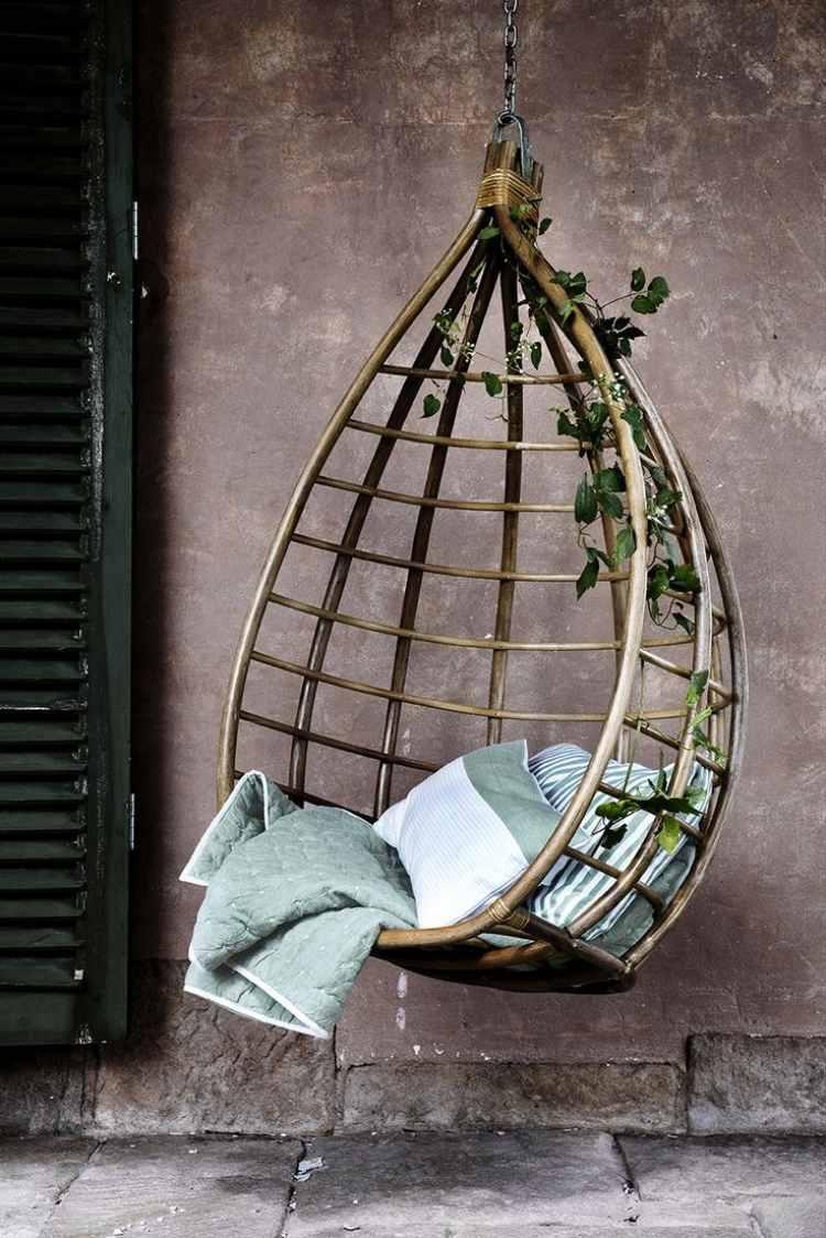 Hngesessel aus Korb  exotische Lounge aus Rattan
