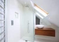 Kleine Badezimmer mit Dachschrge zur Wellness-Oase