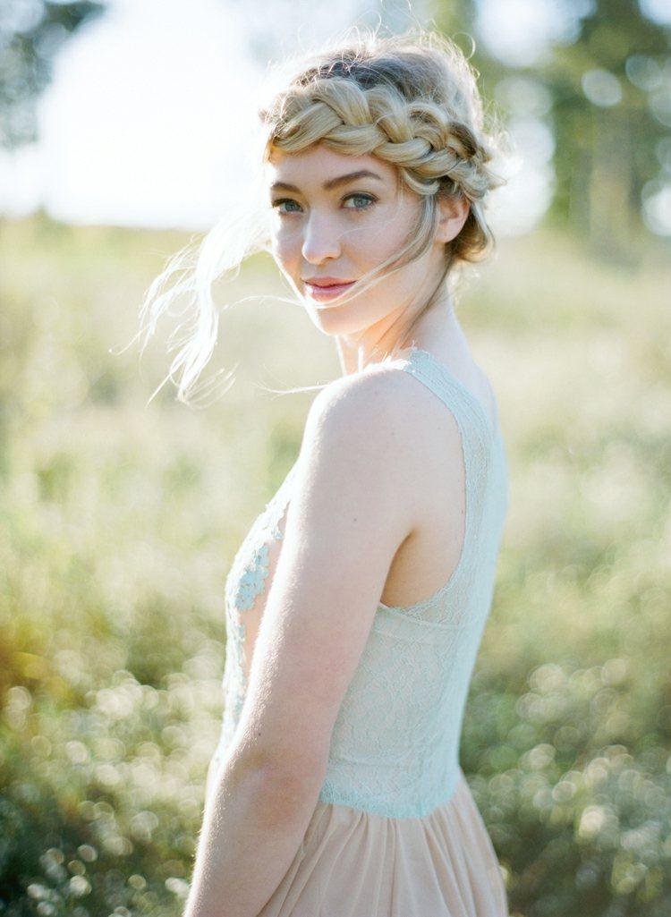 Brautfrisur mit Flechtzopf fr den groen Tag  57 Ideen