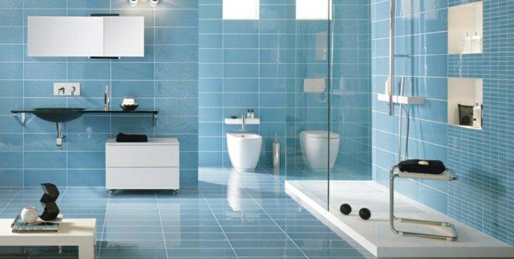 Blaue Fliesen frs Badezimmer  25 moderne Beispiele