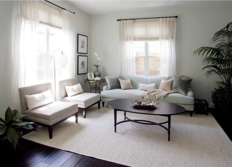 Wohnzimmer Gardinen Weiss Beige Sessel Teppich Pastellblau Sofa
