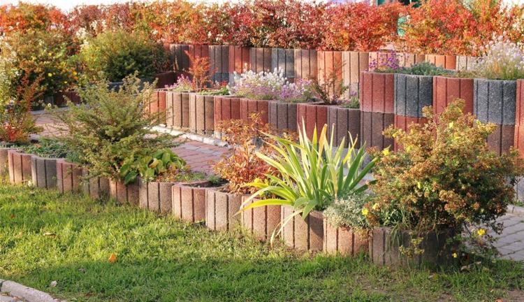 Gartengestaltung Pflege Landschaftsbau Pflanzsteine Setzen Bepflanzen L