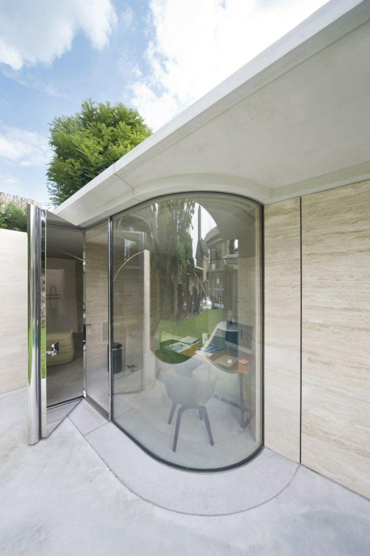 Abgerundete Wnde  Fenster in einer modernen Hauserweiterung