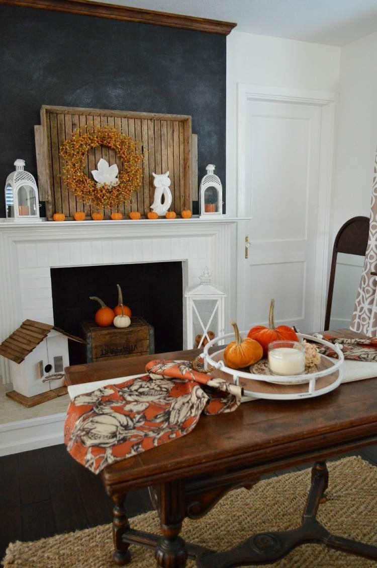 Herbst Deko mit Tablett auf dem Wohnzimmertisch  20 Dekotipps