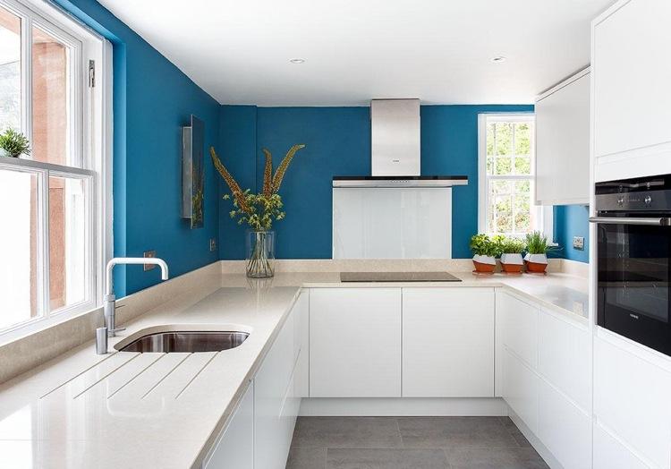 minimalistisches design grifflose kuche ganz in wei - boisholz, Möbel
