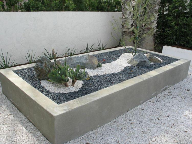 pflanzkubel aus beton im garten - boisholz, Hause und garten