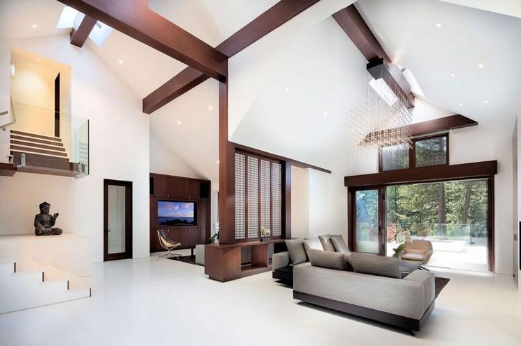 Holzbalken an der Decke und im Interieur  Ein Haus am Lake Tahoe