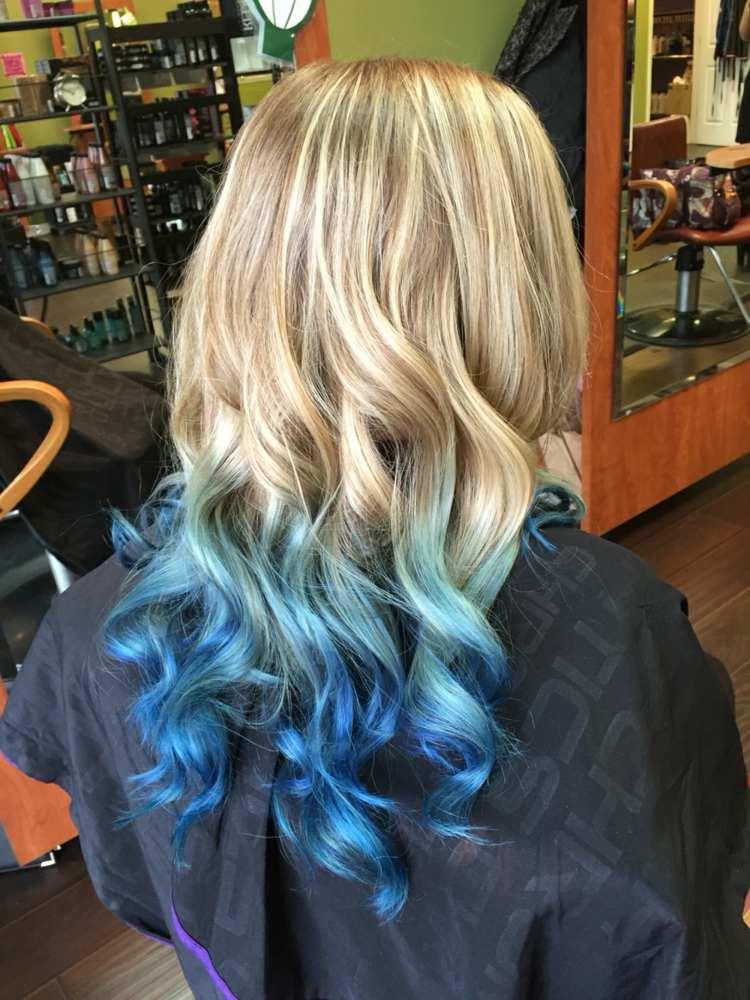Spitzen mit dunkelbraune haare blauen Welche Haarfarbe