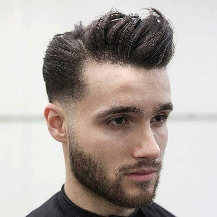 Pompadour Frisur Für Männer Styling Ideen Für Den Beliebten