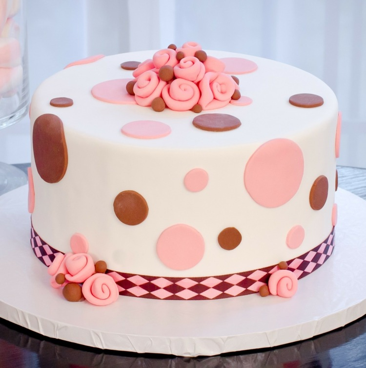 Easy Cake Decorating Designs