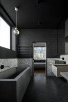 Diese Badezimmer in Schwarz wirken elegant, luxuriös und ...