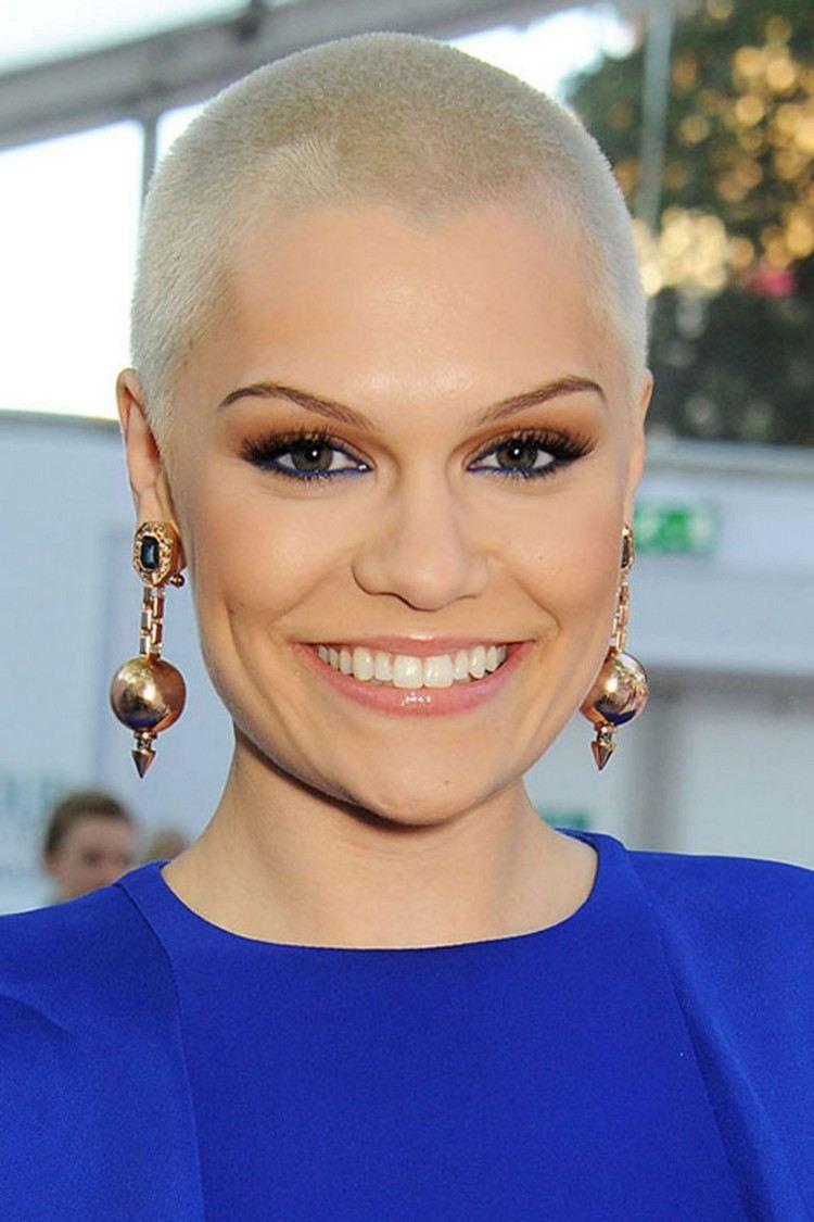 Raspelkurze Haare Sind Trend So Sieht Der Buzz Cut Für Frauen Aus!