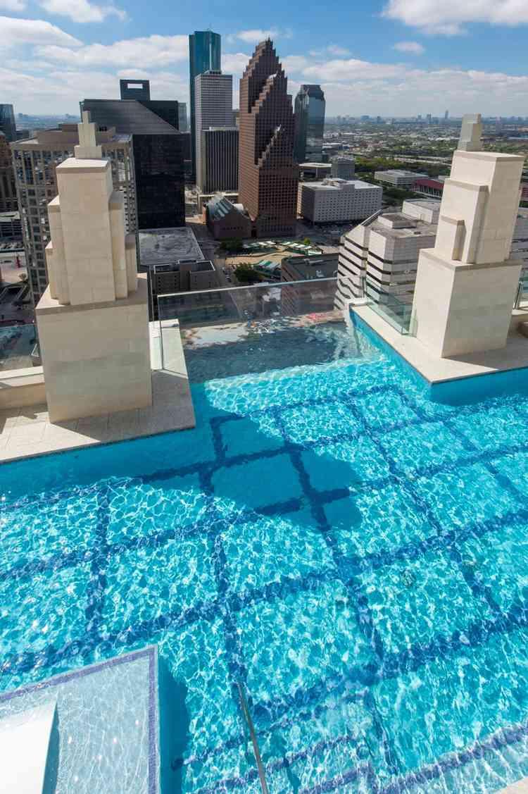 Der Glas Pool Ist Die Krönung Dieser Prächtigen Häuser Und Hotels!