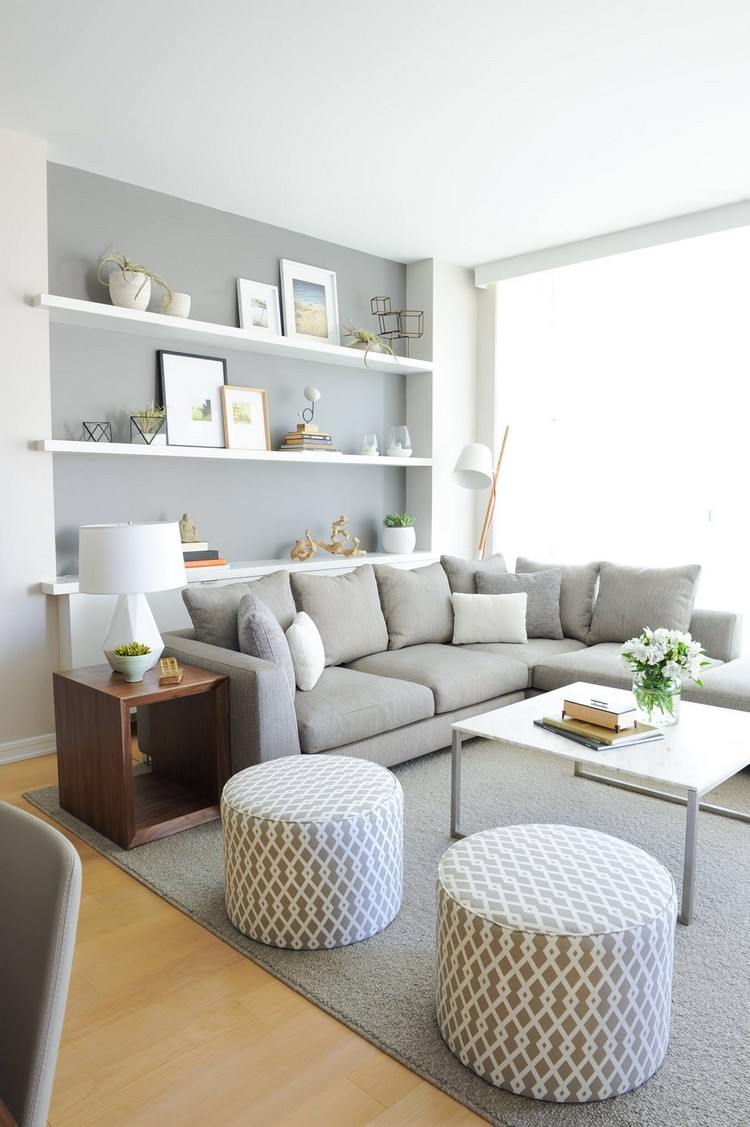 Schne Einrichtungsideen mit einem Regal hinter Sofa im