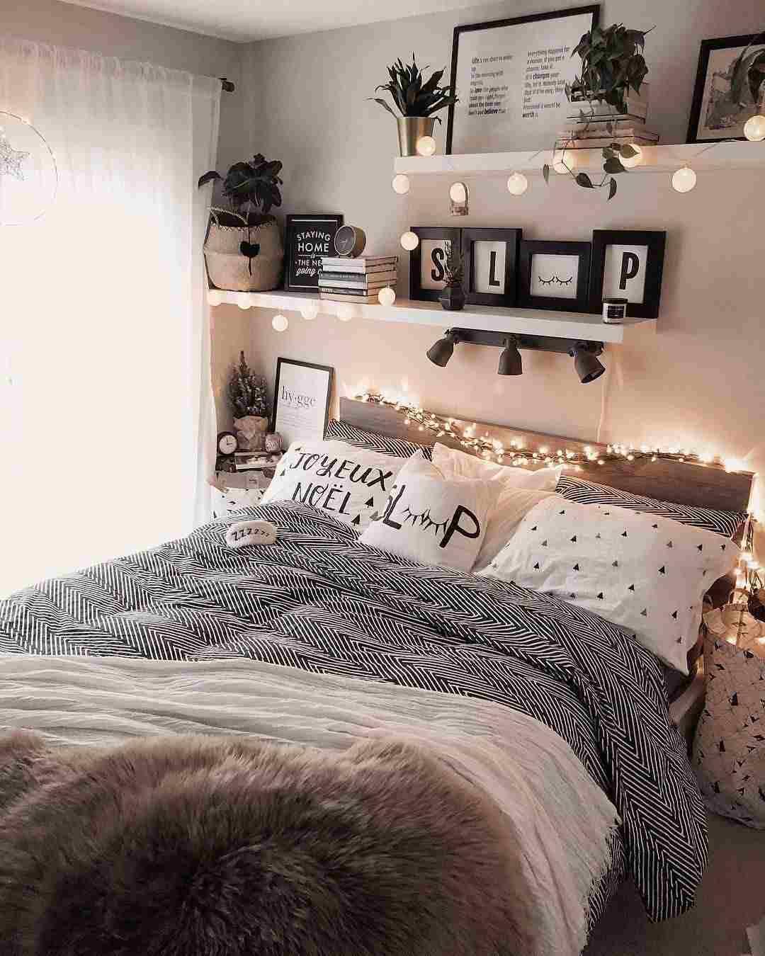 Bettwasche Tumblr Schlafzimmer Regal Beim Bett Schlafzimmer Regale