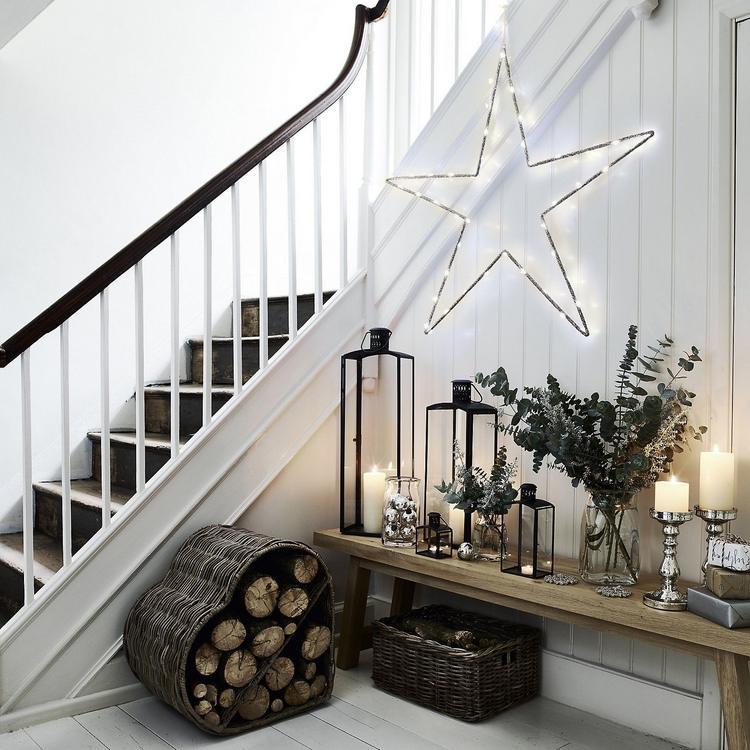 Flur weihnachtlich dekorieren im Nordic-Stil