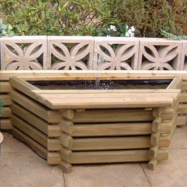 propre bassin de jardin en bois