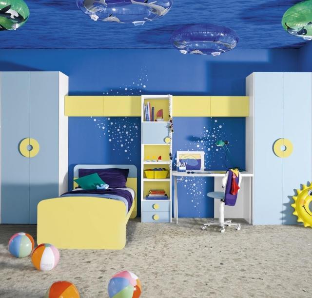 Dco chambre enfant pour garon thme marin et voyages