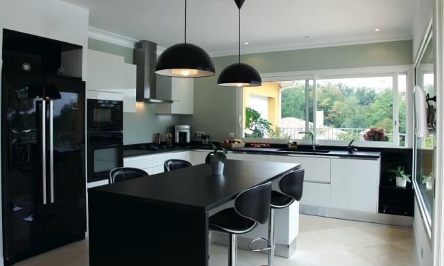 Dco moderne en noir et blanc  confort complet  la maison