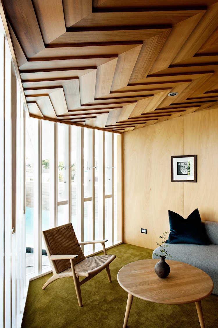 Plafond Moderne Dans La Chambre à Coucher Et Le Salon