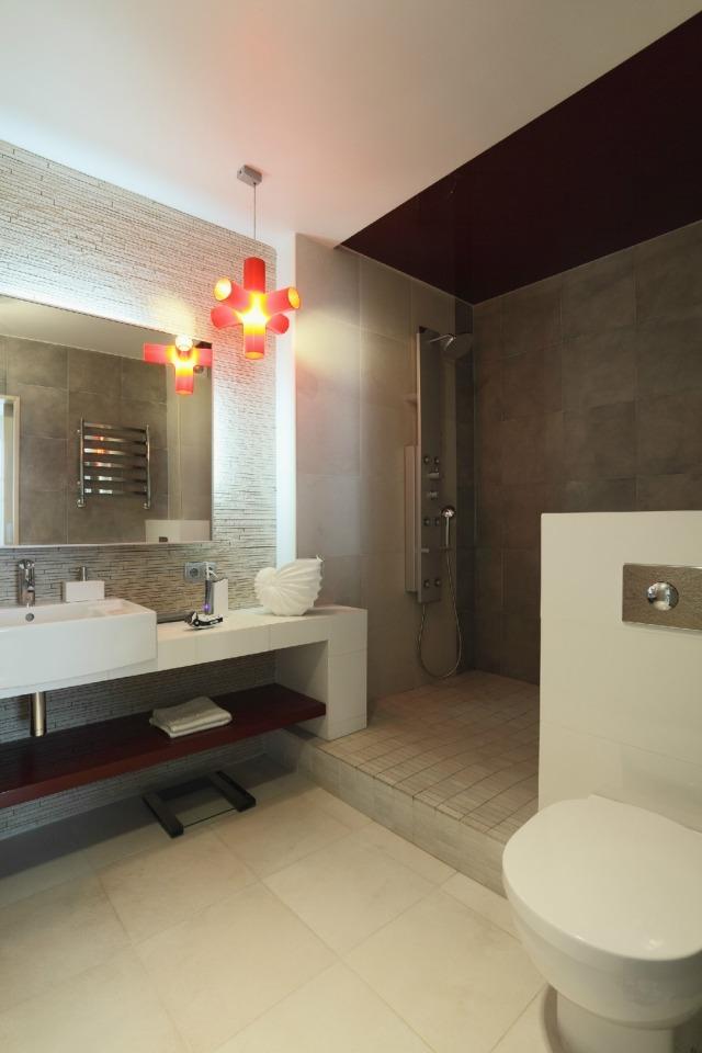 Amnagement salle de bains sans fentres 30 ides supers