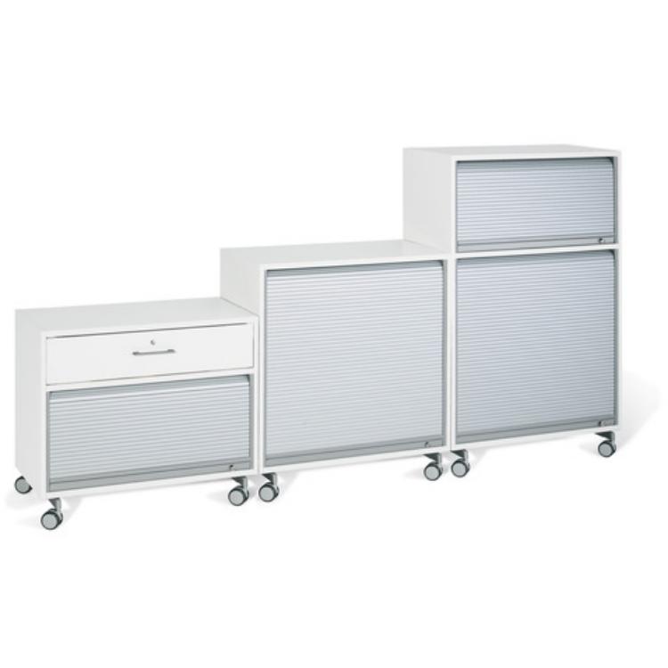 meuble design futuriste avec rideaux d