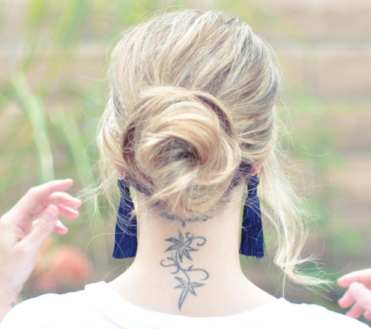 Tatouage Nuque Femme  Idées Pour Les Femmes Délicates