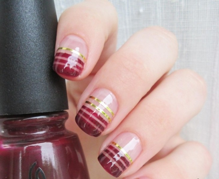 deco-ongles-bande-de-striping-tape-vernis-bordeaux