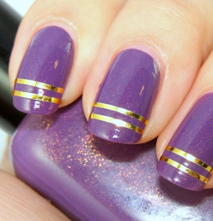 deco-ongles-bande-de-striping-tape-vernis-paillettes-violet