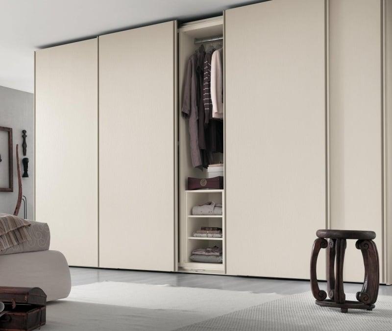 Armoire blanche chambre armoire blanc 3 portes pour for Miroir dans la chambre