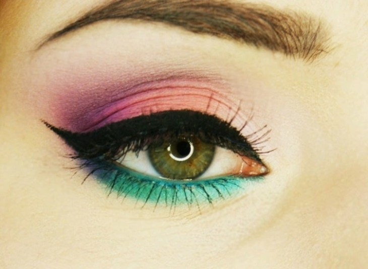 idees-maquillage-ete-eye-liner-épais-ombre-paupières-turquoise-rose-pourpre