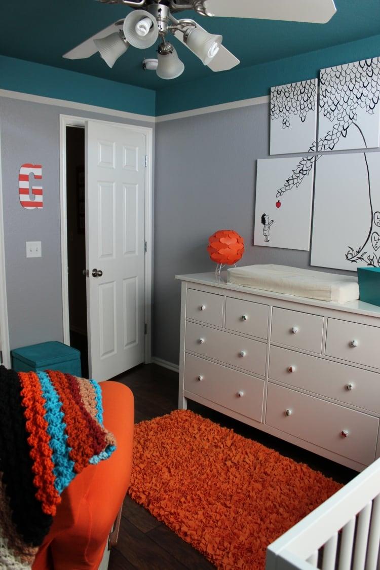 Chambre Orange Pale