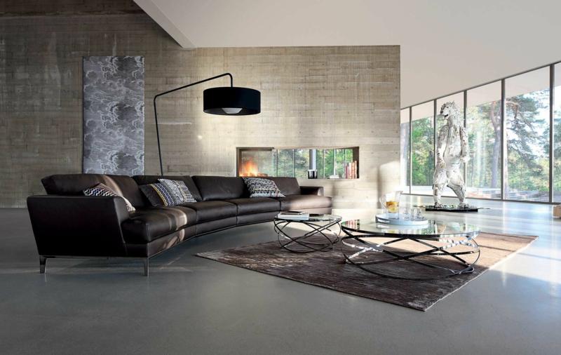 lampadaire design en noir dans le salon