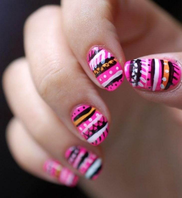 nail-art-motif-azteque-rose-noir-orange
