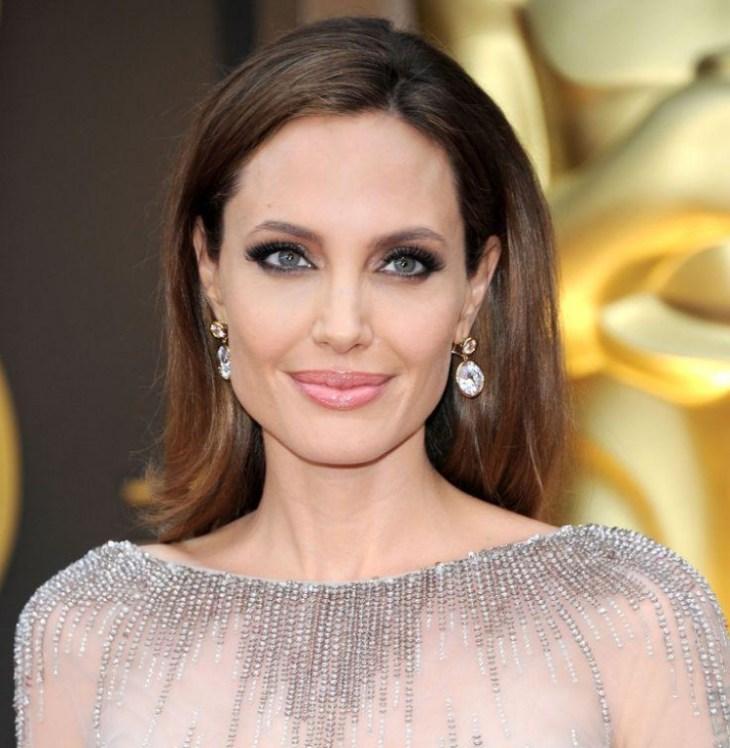 comment-bien-maquiller stars Angelina Jolie lèvres rose pastel smokey eye