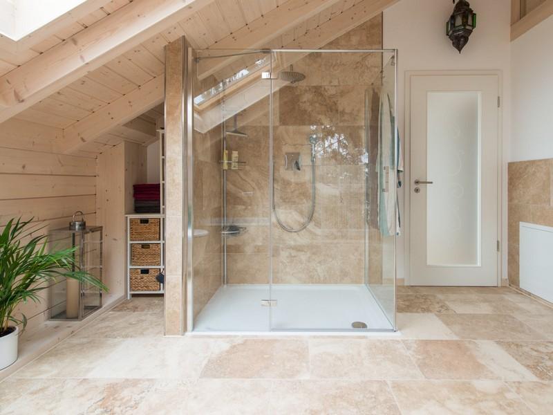 Salle de bain travertin  le chic noble de la pierre naturelle