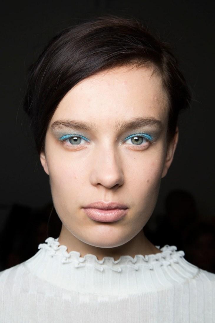 maquillage tendance 2016 yeux clairs fard paupières bleu