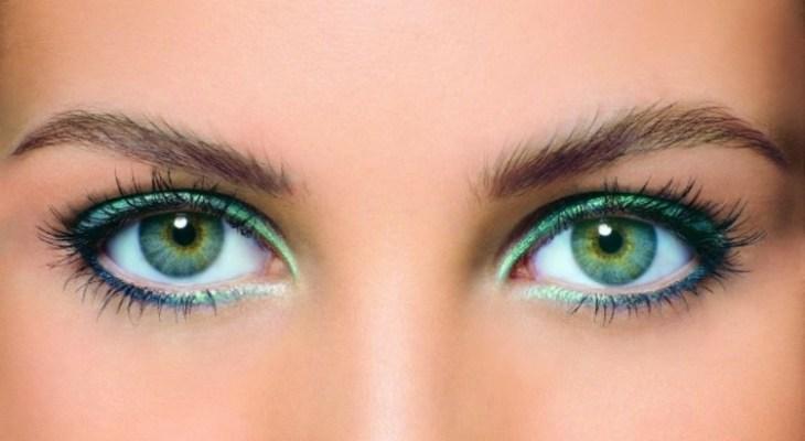 comment-se-maquiller-les-yeux-selon-forme-couleur-erreurs-éviter