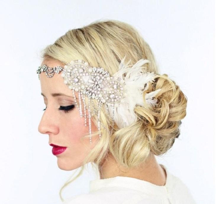 coiffure-vintage-gatsby-chignon-bijou-tête-cristaux-maquillage-assorti