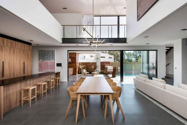 Meubles bois modernes sur fond blanc maison darchitecte en Australie