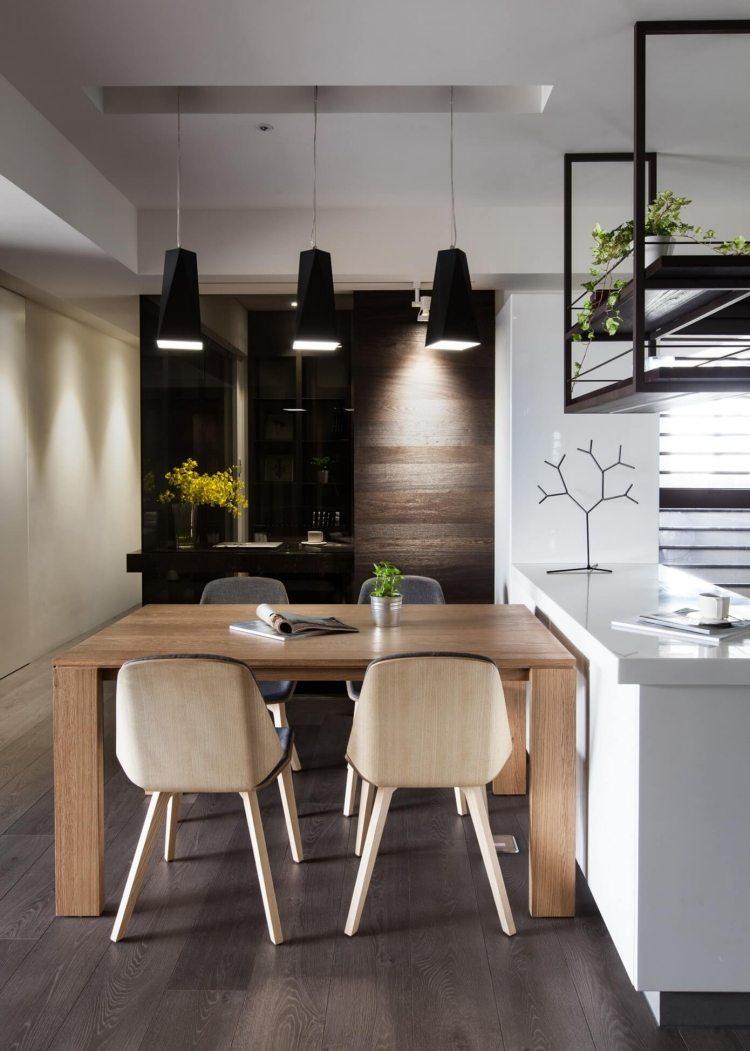cuisine bois et plan de travail noir