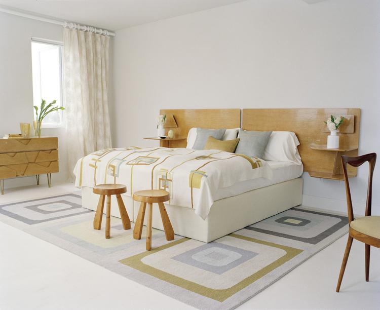 lit avec rangement petit espace chevet