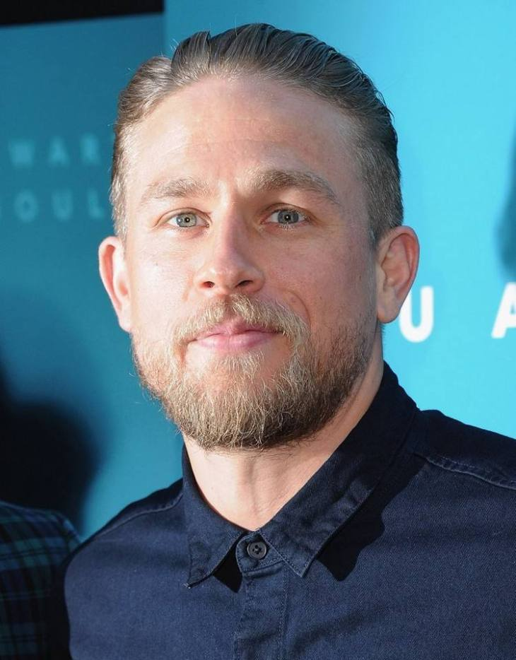 style-barbe-tendance-2016-barbe-10-jours-courte-Charlie-Hunnam