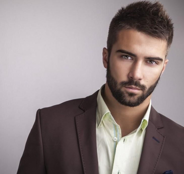 style-barbe-tendance-2016-barbe-courte-10-jours-cheveux-haut